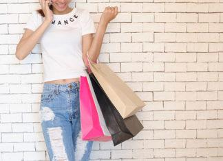 Co kupić bliskim na prezent? Śmieszne koszulki z nadrukami
