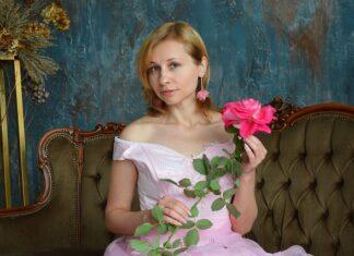 Dress code decyduje o tym, kiedy założyć balową suknię